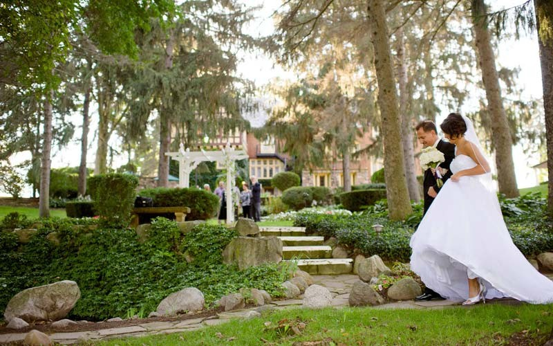Outdoor Wedding English Garden