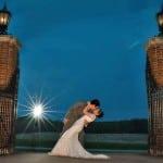 Wedding Kiss at the The English Inn Gate