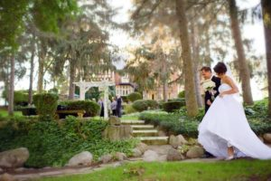 English Inn: The Most Romantic of Lansing MI Wedding Venues